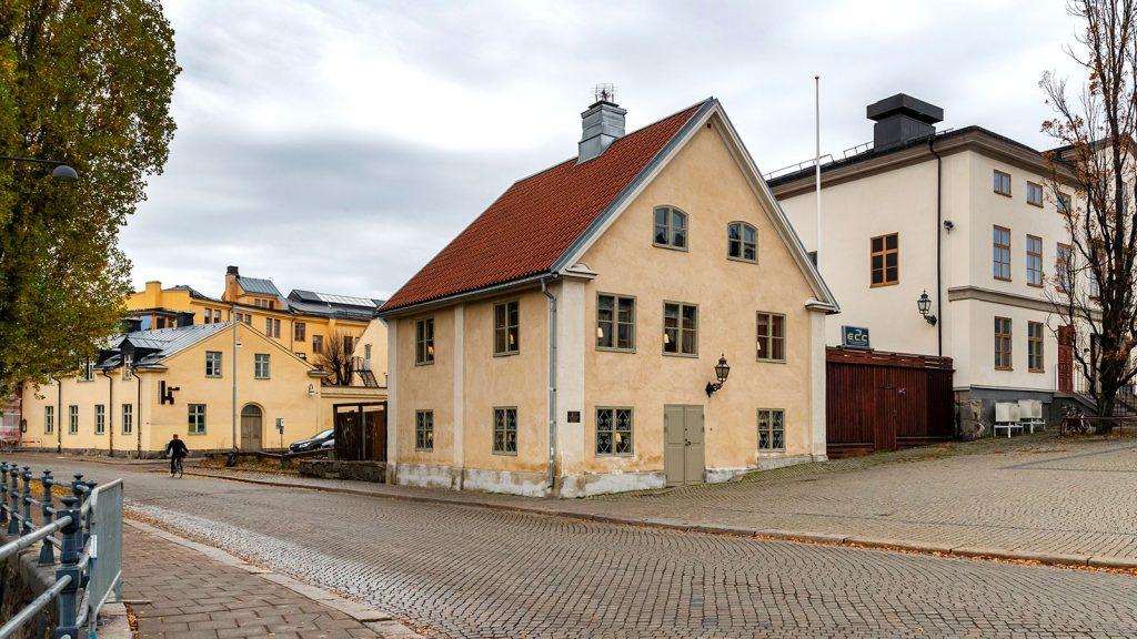 Hyr kontor i Tvål-Jockes hus.
