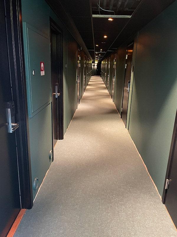 Korridor efter renovering på Starby hotel